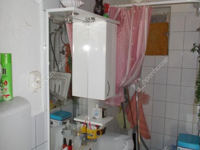 Eladó családi ház, Egyházashetyén 3.69 M Ft, 1 szobás