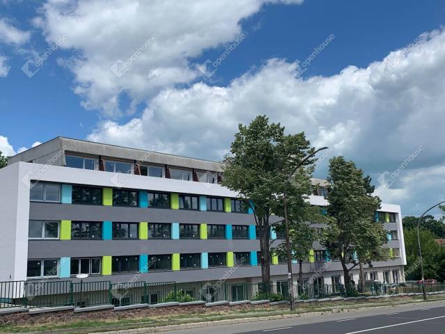 Eladó nyaraló, Balatonföldváron 42.52 M Ft, 3 szobás