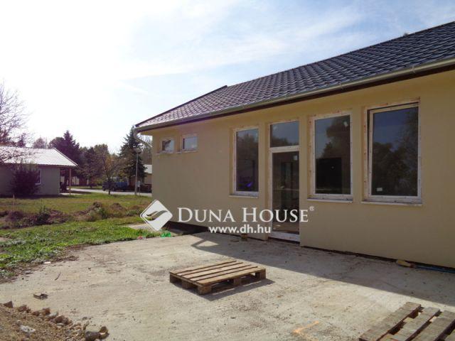 Eladó családi ház, Alsópáhokon 27.999 M Ft, 3 szobás