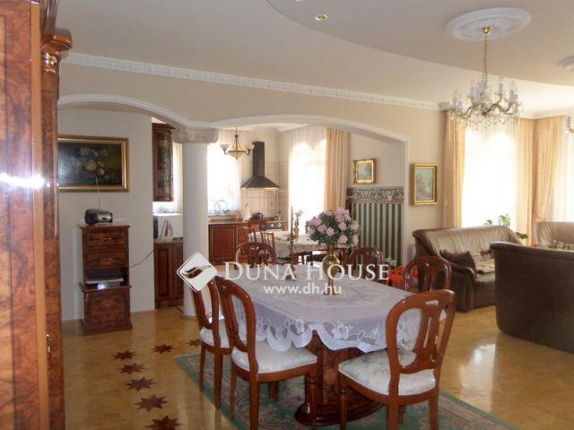 Eladó családi ház, Nyíregyházán 129 M Ft, 7 szobás