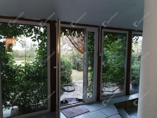 Eladó nyaraló, Lovason 68 M Ft, 5 szobás / költözzbe.hu