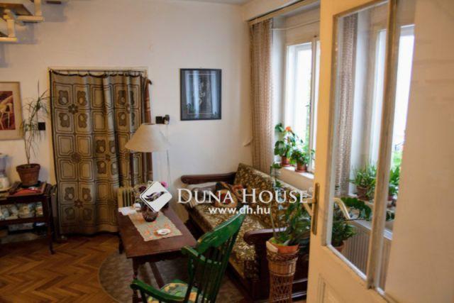 Eladó családi ház, Budapesten, II. kerületben, Zsigmond téren