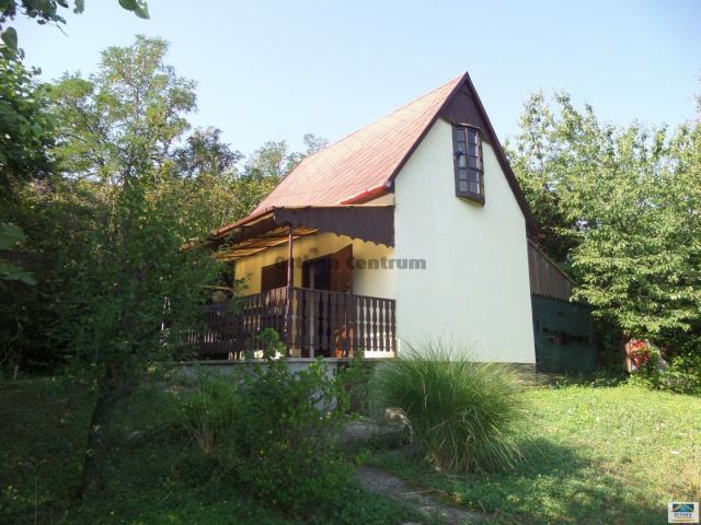 Eladó családi ház, Pécsett 12.8 M Ft, 1 szobás