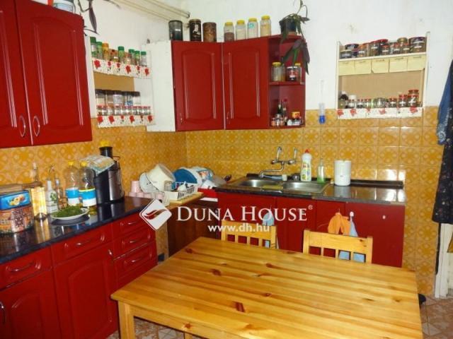 Eladó családi ház, Zámolyon 17.5 M Ft, 2+3 szobás