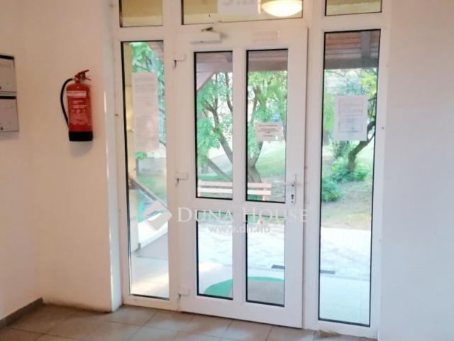 Eladó téglalakás, Zsámbékon 29.9 M Ft, 1+2 szobás