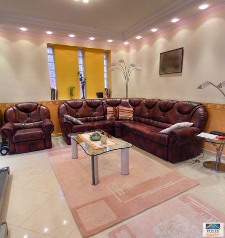 Eladó családi ház, Pécsett 130 M Ft, 7 szobás