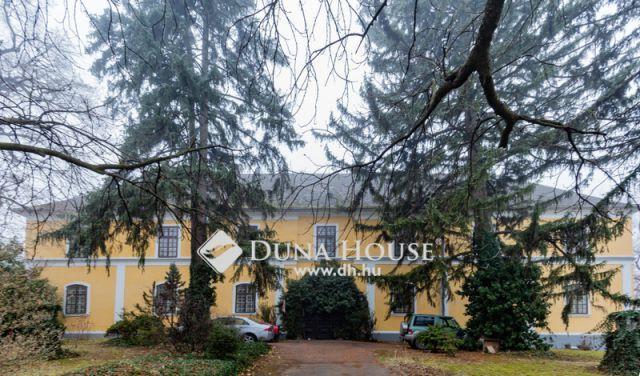 Eladó családi ház, Tamásiban 390 M Ft, 24 szobás