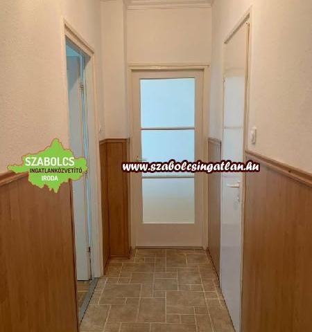 Eladó téglalakás, Nyíregyházán 19.5 M Ft, 1+1 szobás