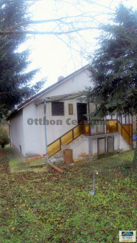 Eladó ikerház, Zalaegerszegen 9.8 M Ft, 1 szobás