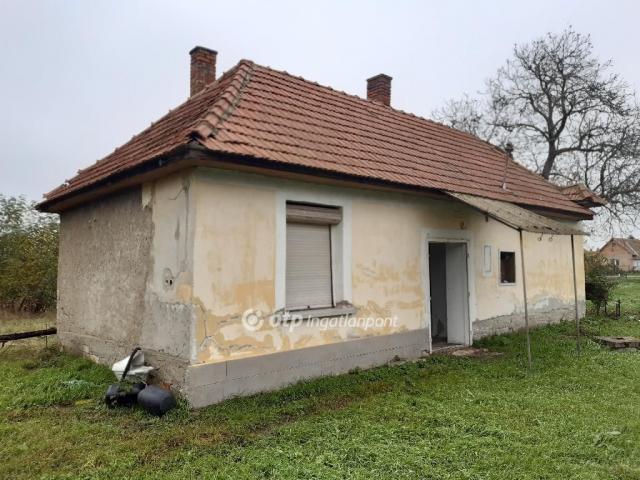 Eladó családi ház, Mezőkövesden, Jolán utcában 5.65 M Ft