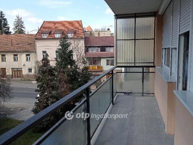 Kiadó téglalakás, albérlet, Egerben 130 E Ft / hó, 2 szobás