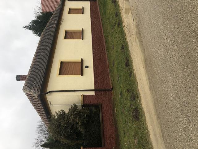 Eladó családi ház, Csabrendeken, Széchenyi téren 10.9 M Ft
