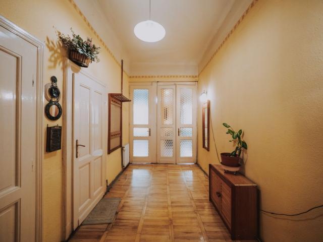 Eladó téglalakás, Budapesten, IX. kerületben, Haller utcában