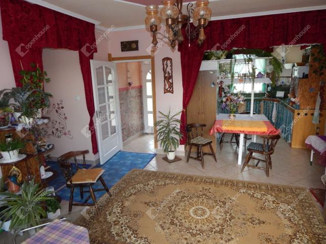Eladó családi ház, Bogácson 27.9 M Ft, 5 szobás