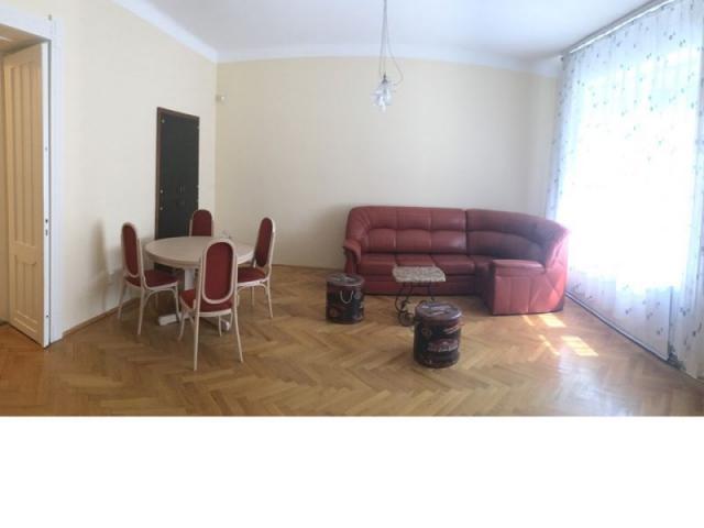 Kiadó téglalakás, albérlet, Budapesten, I. kerületben, 3 szobás