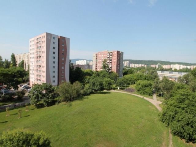 Eladó panel lakás Budapest 3. kerület, Füst Milán utca