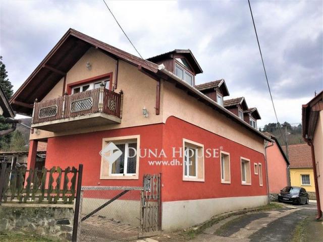 Eladó családi ház, Dömösön 33.9 M Ft, 8 szobás