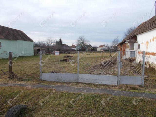 Eladó családi ház, Letenyén 2.9 M Ft, 1 szobás