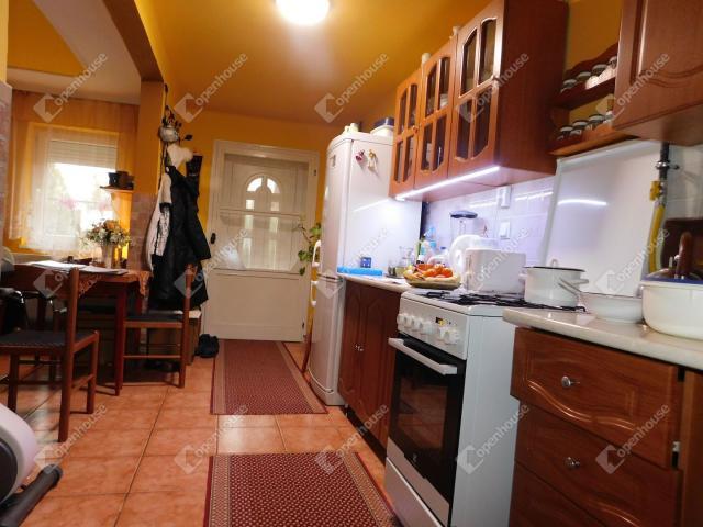 Eladó családi ház, Bogácson 33.9 M Ft, 6 szobás