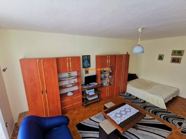 Eladó téglalakás, Nyíregyházán 18.7 M Ft, 1+1 szobás