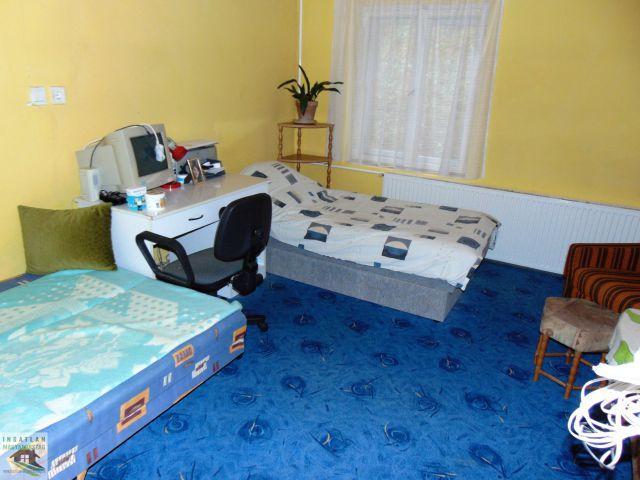 Eladó családi ház, Villánykövesden 9.99 M Ft, 2 szobás