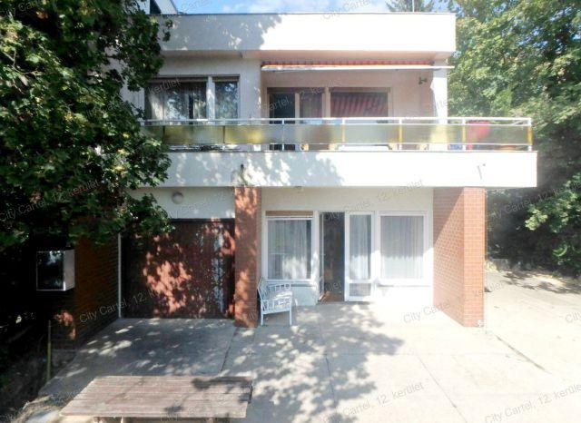 Eladó családi ház, Budapesten, II. kerületben 170 M Ft