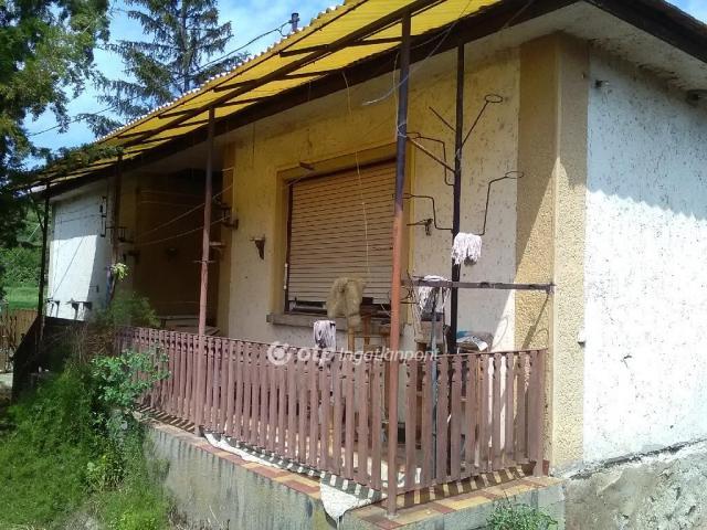 Eladó családi ház, Abaújszántón 9.2 M Ft, 3 szobás