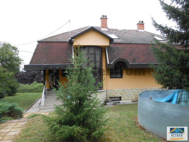 Eladó családi ház, Dunaföldváron 39 M Ft, 4 szobás