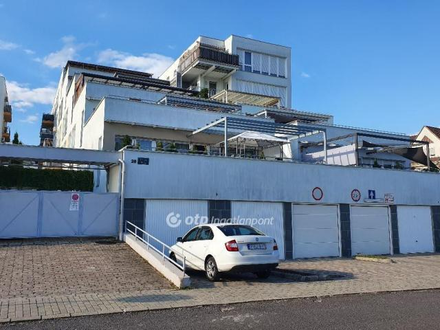 Eladó téglalakás, Miskolcon 58.9 M Ft, 3 szobás