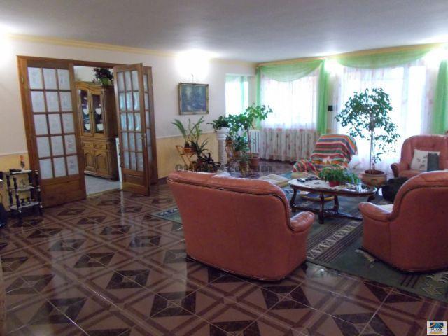 Eladó családi ház, Nyíregyházán 95 M Ft, 5 szobás