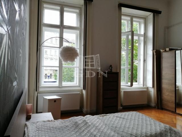 Eladó téglalakás, Budapesten, V. kerületben, Nyugati téren