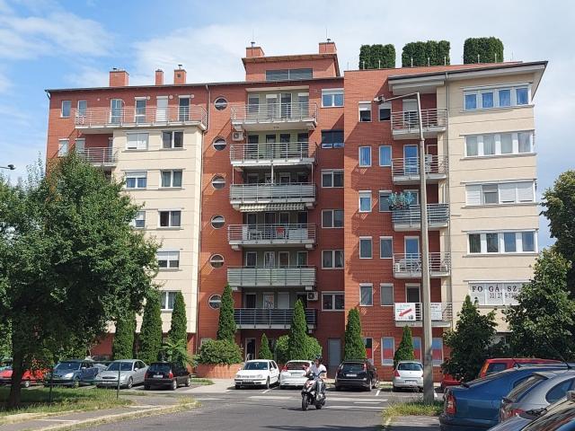 Kiadó téglalakás, albérlet, Miskolcon, Vörösmarty Mihály utcában