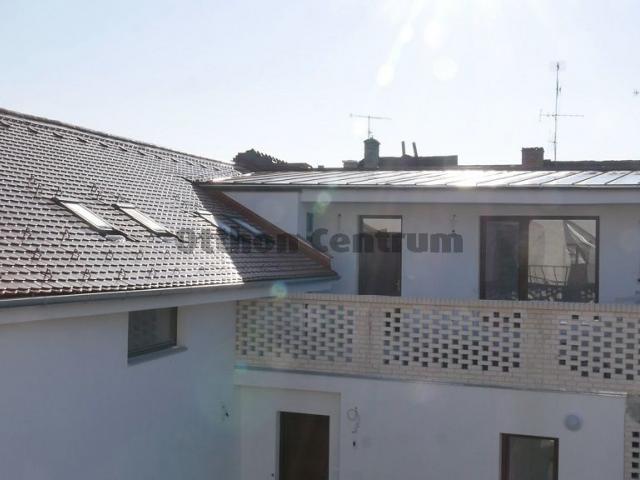 Eladó téglalakás, Sopronban 49.625 M Ft, 4 szobás