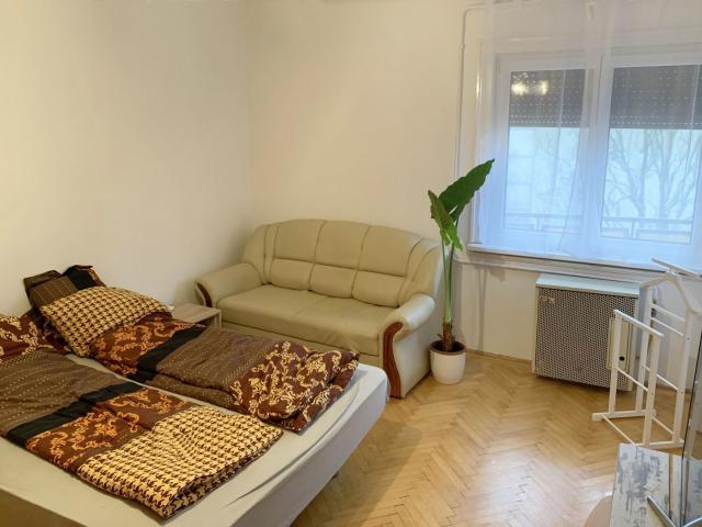 Kiadó téglalakás, albérlet, Debrecenben 100 E Ft / hó, 2 szobás