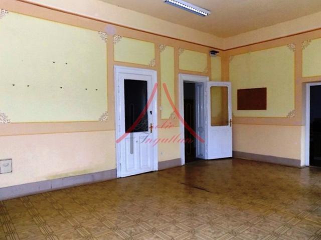 Kiadó családi ház, albérlet, Dombóváron 150 E Ft / hó