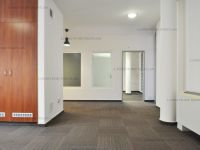 Kiadó iroda, III. kerületben 1015 E Ft / hó, 8 szobás