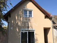 Eladó ikerház, Vácon, Burgundia utcában 60 M Ft, 3+1 szobás