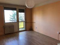 Eladó panellakás, Záhonyon 9.5 M Ft, 3 szobás