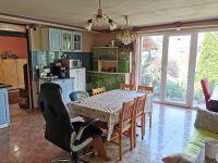 Eladó családi ház, Csörögön 40.5 M Ft, 6 szobás