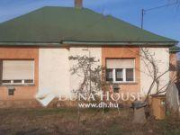 Eladó családi ház, Jászszentandráson 8 M Ft, 2 szobás