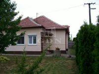 Eladó családi ház, Átányon 5.5 M Ft, 4 szobás