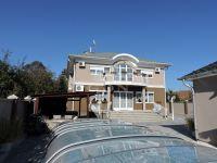 Eladó családi ház, Kistarcsán 149.9 M Ft, 6 szobás
