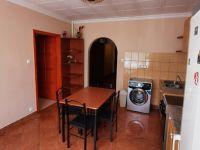 Eladó panellakás, Debrecenben 28.9 M Ft, 2 szobás