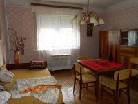Eladó családi ház, Zsebeházán 13.5 M Ft, 2 szobás
