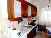 Eladó családi ház, Batéban 22.5 M Ft, 4 szobás