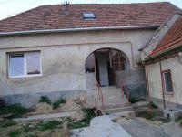 Eladó családi ház, Veszprémben 19.9 M Ft, 4+1 szobás
