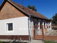 Eladó családi ház, Akasztón 5 M Ft, 2 szobás