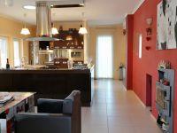 Eladó családi ház, Szegeden 79 M Ft, 3+2 szobás