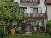 Eladó családi ház, Sopronban 69.9 M Ft, 8+1 szobás