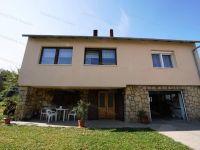 Eladó családi ház, Zircen 39.9 M Ft, 4 szobás